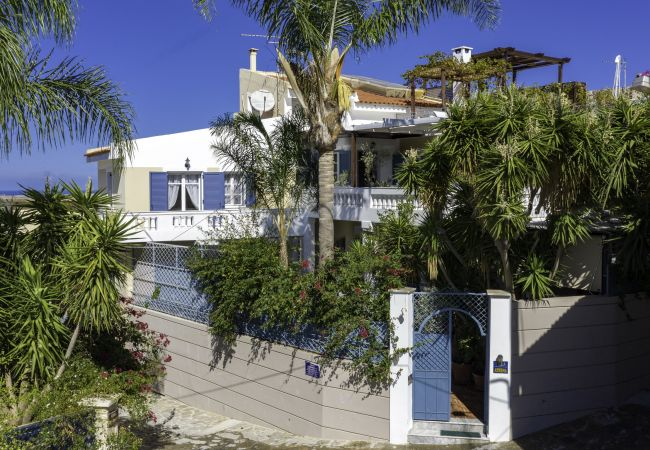 Large beautiful villa with fantastic views in Loutra, Rethymno, Crete